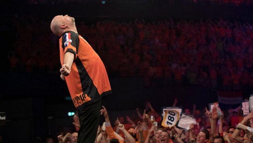 Raymond van Barneveld beats MVG