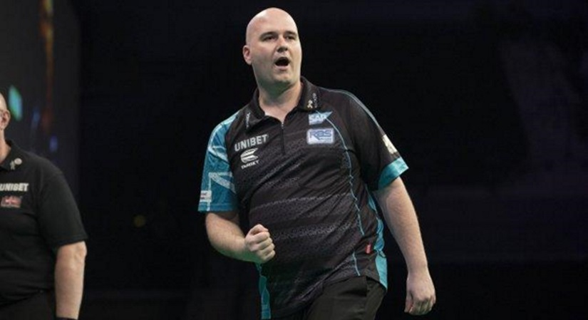 Rob Cross Wins again in Darts Premier League