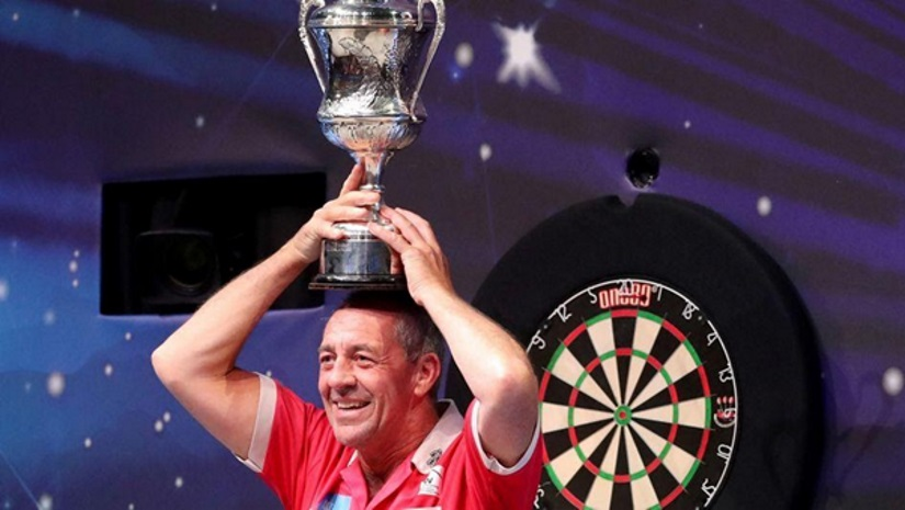 Devastated Wayne Warren Wins BDO World Championships