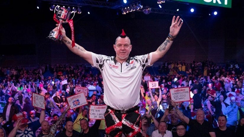 World Champion Peter Wright Adds Darts Masters To His Collection