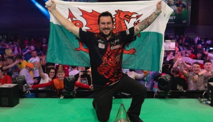 Jonny Clayton Wins Darts Premier League